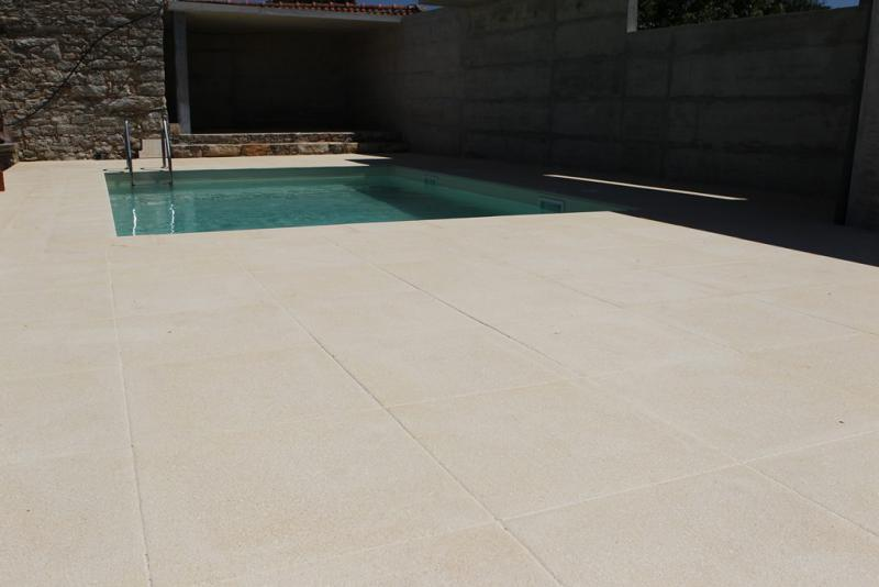 Amop mono k revestimentos exteriores pavimentos for Mosaicos para pisos exteriores